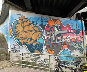 Graffiti_an_der_Stützmauer2